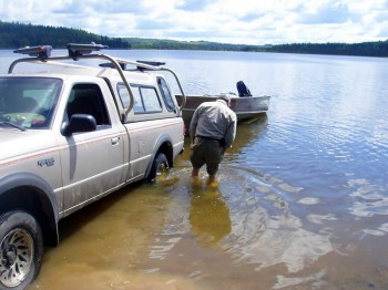 camping-fishing-007
